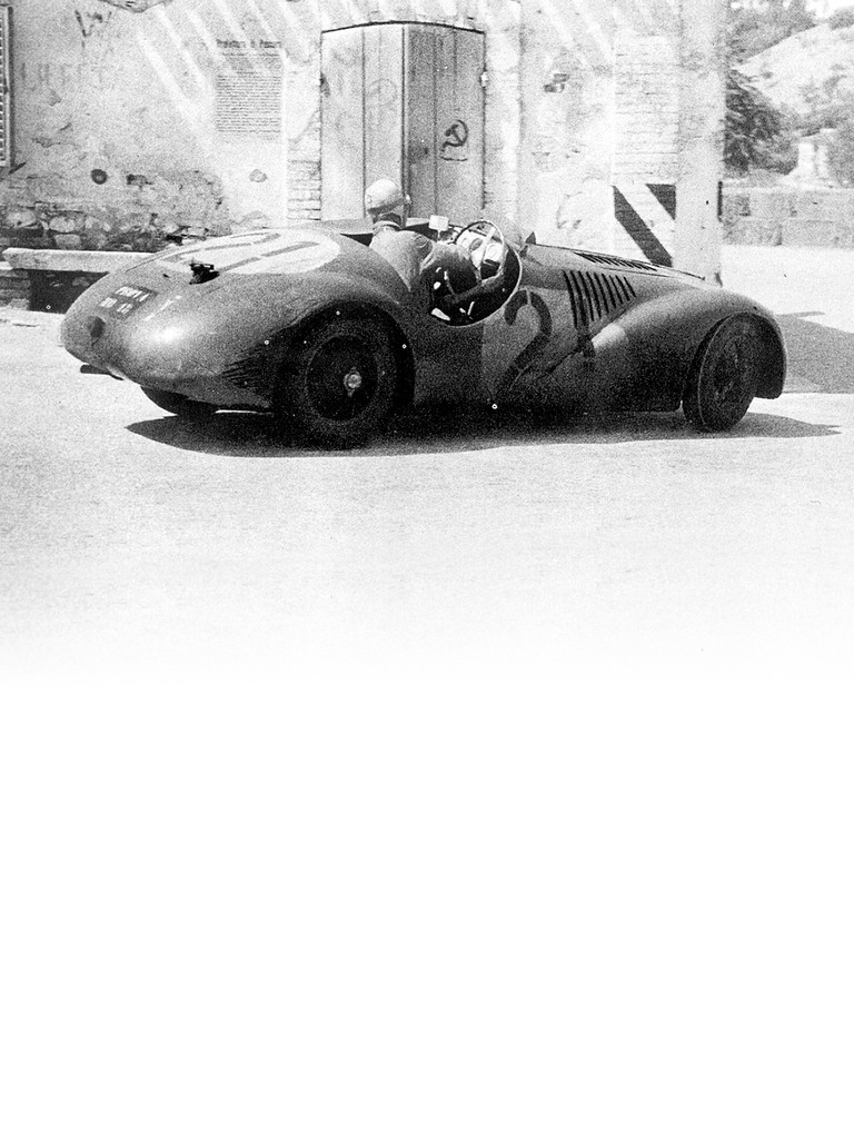 159 S: developed from the Ferrari 125 S whose engine was increased to 1903 cc by boring it out and working on the stroke.