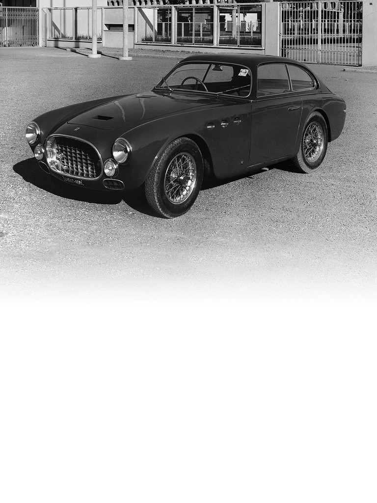 Ferrari 225 S: Ferrari continued with its development of two absolute jewels at this particular time: the two V12s designed respectively by Gioachino Colombo and Aurelio Lampredi