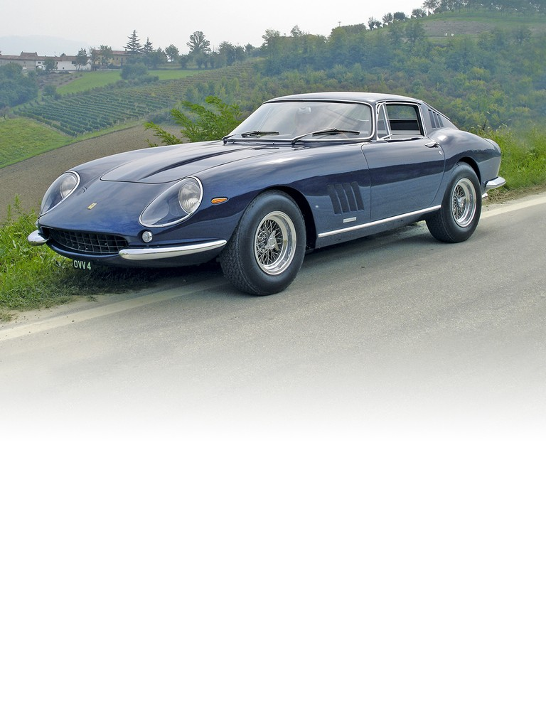Ferrari 275 GTB4: Presented at the 1966 Paris Motor Show