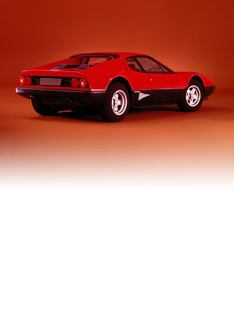 At its debut at the Paris Show in 1976, the Ferrari 512 BB was equipped with a 5-litre version of the 12-cylinder boxer.