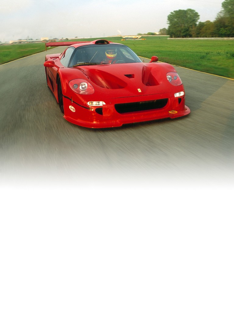 Ferrari F50 GT: Aesthetically, the most notable changes with respect to the road car were an air intake on the roof, a different rear wing with central strut and a rear diffuser.